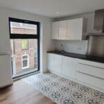 2 kamer modern appartement per eind april beschikbaar